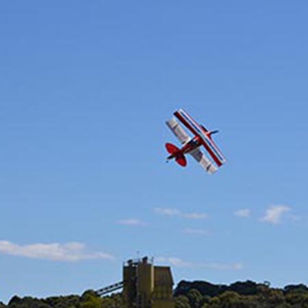 Redhill – Thrilling Aerobatic Trial Flying Lesson – £155 at Red Letter Days