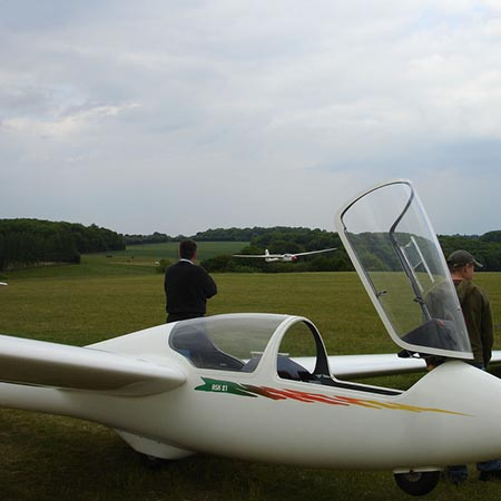 Surrey – Half Day Introduction to Gliding – £143 at Buy A Gift