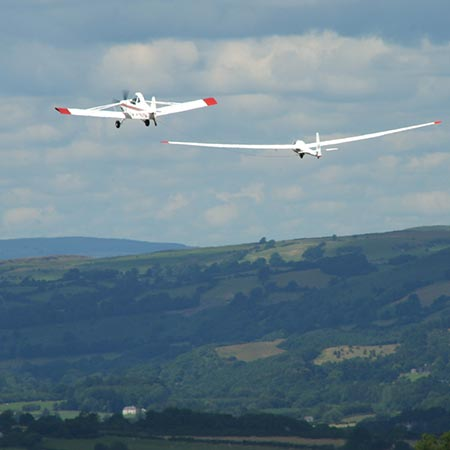 Flexible Double Aerotow Glider Flying Experience – £199 at Red Letter Days