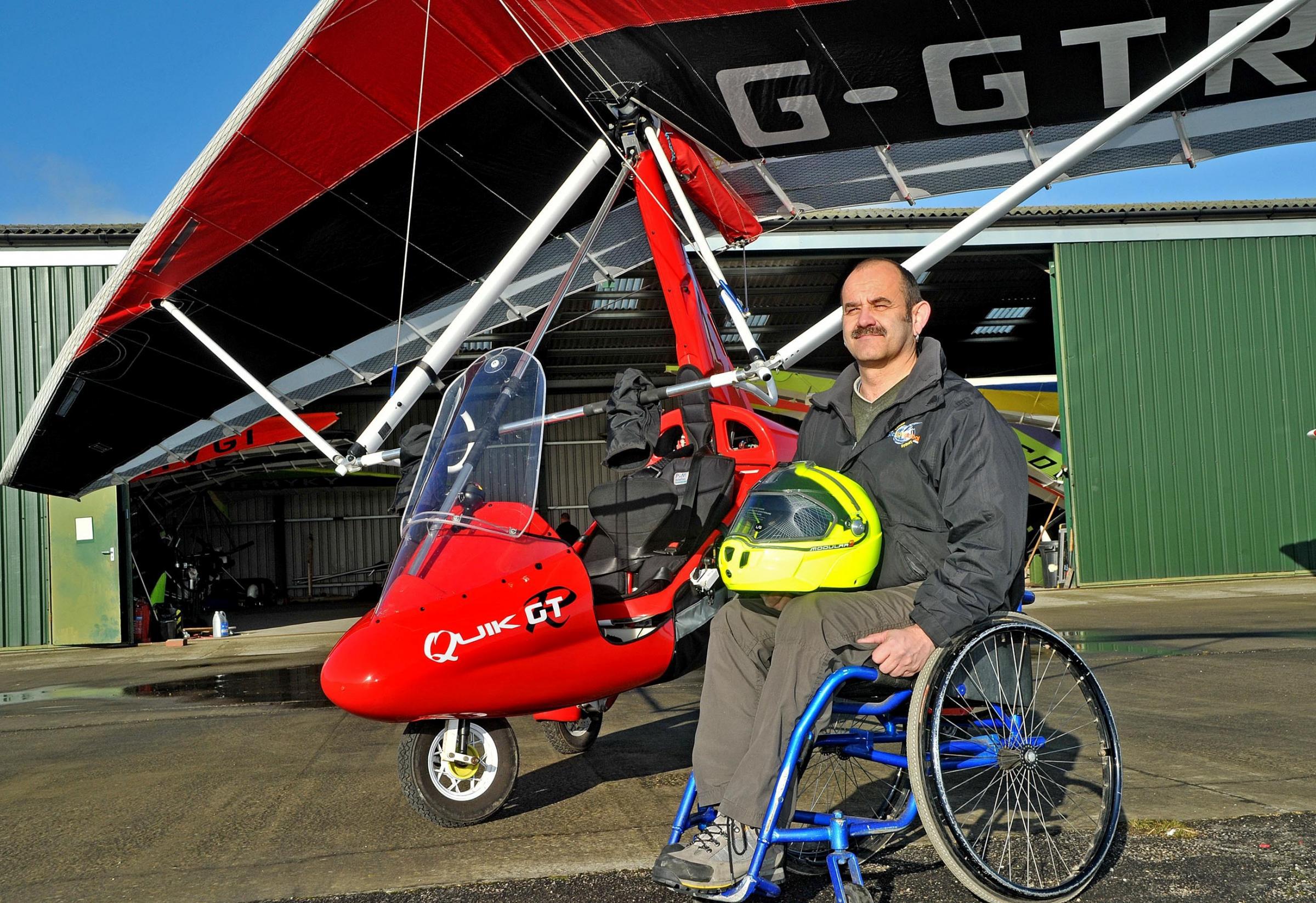 Dave Sykes, paraplegic Open cockpit microlight pilot