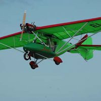 Microlight Fixed wing flying lessons © Lee Ciaran 2005
