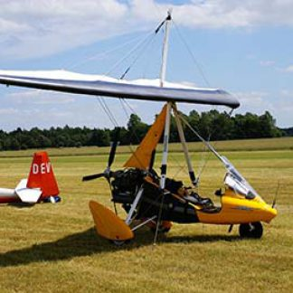 Microlight weight-shift airfield © Matin Pettitt 2008