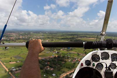 Microlights Flex-wing weight-shift in flights © Photasia 2014