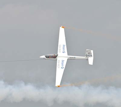 Glider and Tow Display  © Martin Pettit 2010