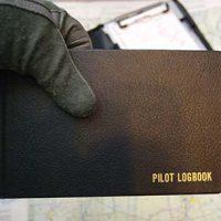 Plane flying lesson Pilot logbook © Pete Markam 2007