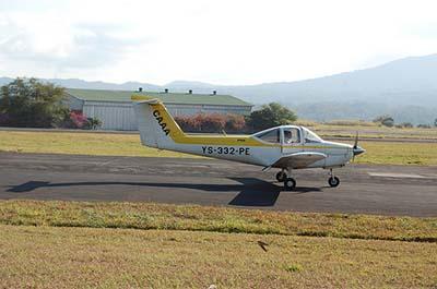 Plane pilots licence training ©   Alec Wislon 2011