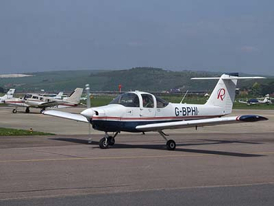 Plane pilots licence training Piper tomahawk aeroplane ©   les Chatfield 2009